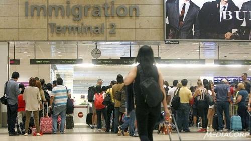 Singapore vẫn hạn chế du khách nữ từ Việt Nam - 1