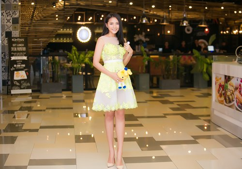 """Phan Như Thảo rạng rỡ mặc tin đồn """"lấy chồng vì tiền"""" - 1"""