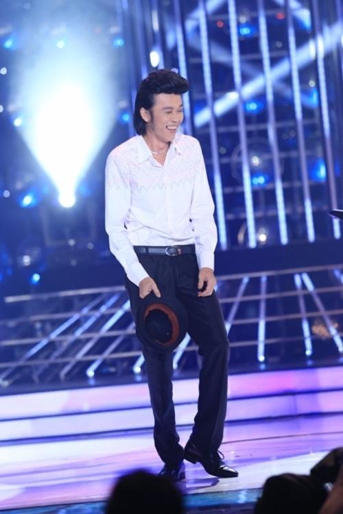 """Loạt ảnh Hoài Linh """"da đụng xương"""" khiến fan xót xa - 2"""