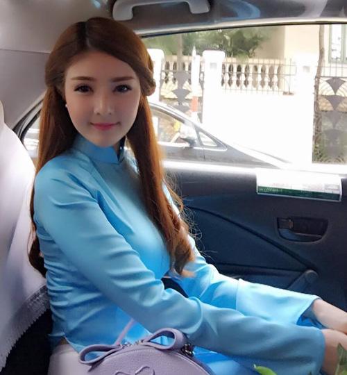 Facebook sao 13/11: Thủy Tiên khoe eo thon bên ông xã - 8