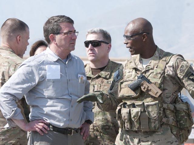 Tướng Mỹ bất ngờ bị Bộ trưởng Quốc phòng sa thải - 1