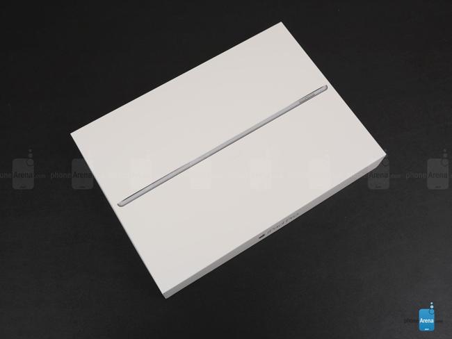 Sau một thời gian ra mắt, Apple đã chính thức bán ra chiếc máy tính bảng iPad Pro tại một số thị trường, nhưng chưa sẵn có tại Việt Nam.