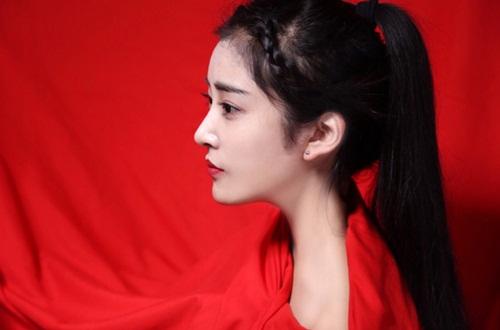 """Gương mặt đẹp như """"nữ thần"""" của hot girl điện ảnh - 5"""