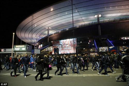 Đánh bom khủng bố Paris: SAO bóng đá bàng hoàng - 5