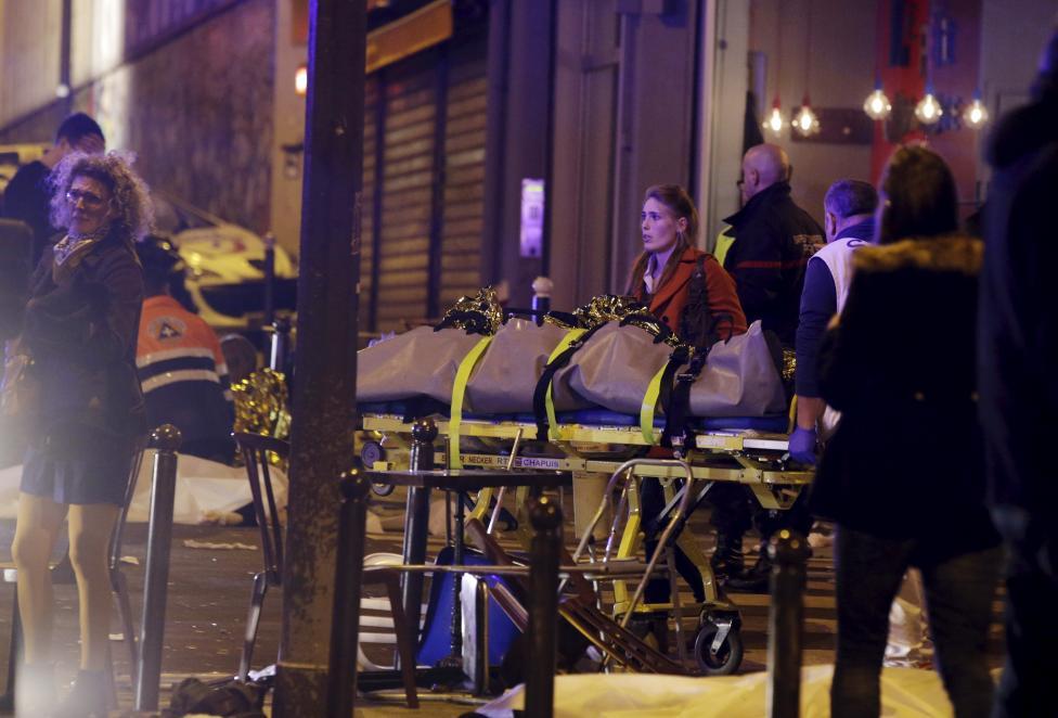 Tang thương hiện trường vụ tấn công hàng loạt ở Paris - 5