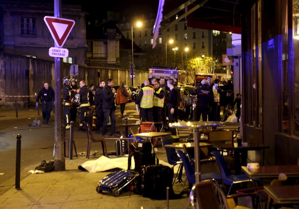 Tang thương hiện trường vụ tấn công hàng loạt ở Paris - 7
