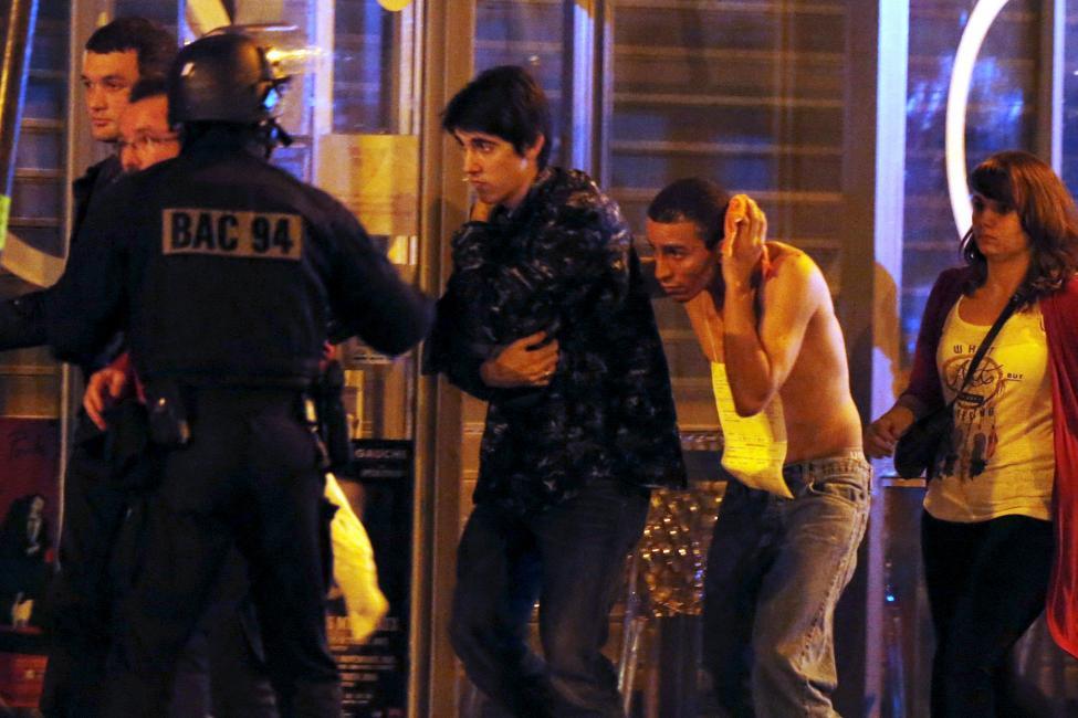 Tang thương hiện trường vụ tấn công hàng loạt ở Paris - 8