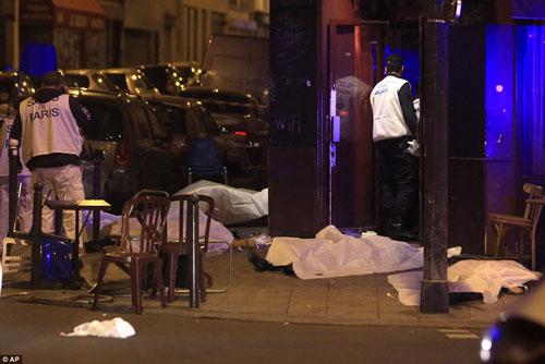 Tang thương hiện trường vụ tấn công hàng loạt ở Paris - 14