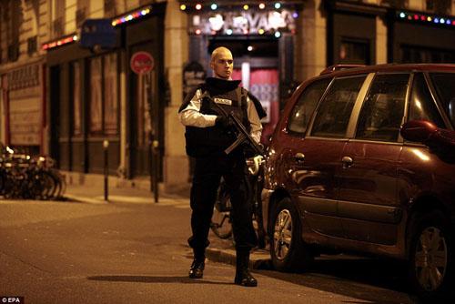 Tang thương hiện trường vụ tấn công hàng loạt ở Paris - 21