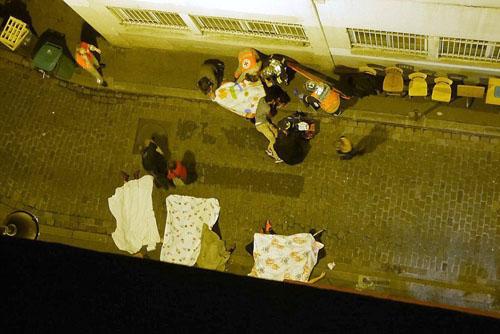 Tang thương hiện trường vụ tấn công hàng loạt ở Paris - 17