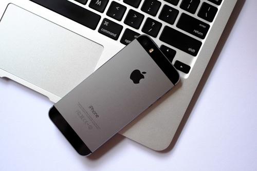 iPhone 5S/iPhone 6 hạ giá tới 2 triệu gây sốt - 2