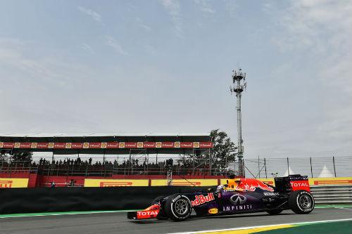 Chạy thử Brazilian GP: Hamilton, Rosberg thay nhau dẫn đầu - 1