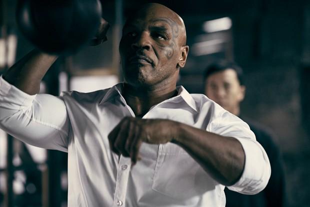 """Màn đối đầu """"nghẹt thở"""" giữa Chân Tử Đan và Mike Tyson - 4"""