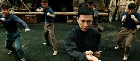 """Màn đối đầu """"nghẹt thở"""" giữa Chân Tử Đan và Mike Tyson - 8"""