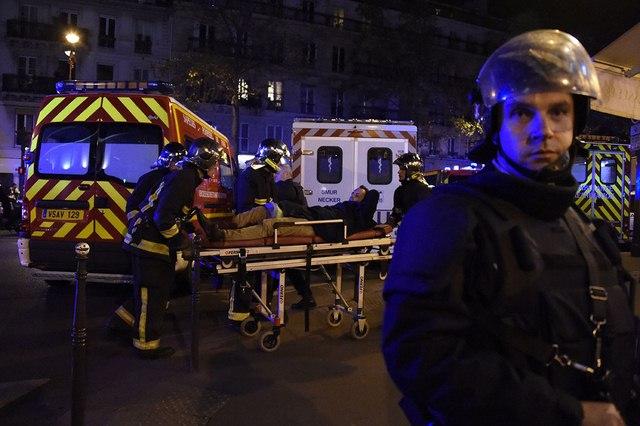 Video: Phút tiếng bom khủng bố gây chấn động sân bóng Pháp - 6