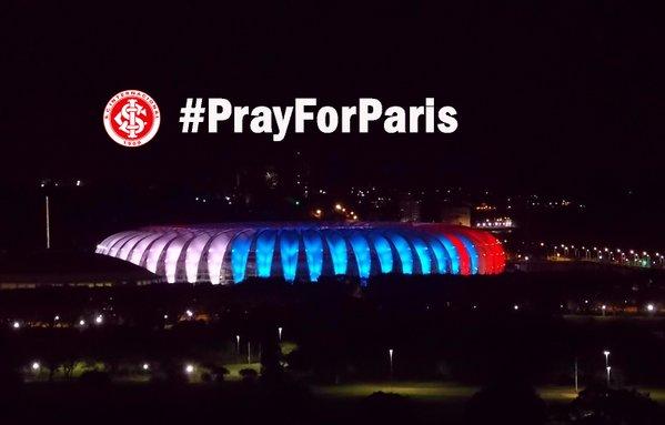 Thế giới rực sáng màu cờ Pháp sau khủng bố đẫm máu - 8