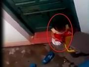 """Video An ninh - Buộc thôi việc cô giáo để """"trẻ mầm non ăn rác"""""""