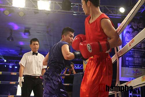 Cao thủ boxing thị uy trên sàn Đấu trường thép - 1