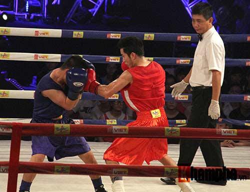 Cao thủ boxing thị uy trên sàn Đấu trường thép - 2