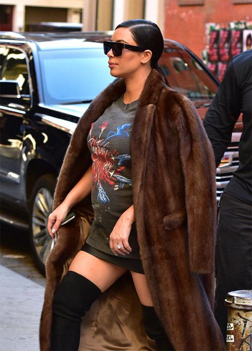 """Choáng với thời trang của bà bầu Kim """"siêu vòng 3"""" - 5"""