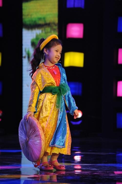 Cô bé 7 tuổi hát cải lương chinh phục triệu khán giả - 8