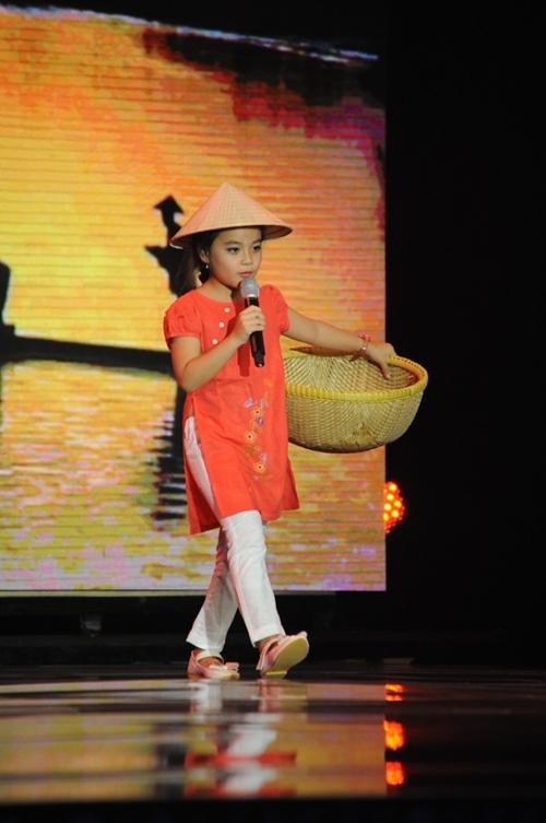 Cô bé 7 tuổi hát cải lương chinh phục triệu khán giả - 1
