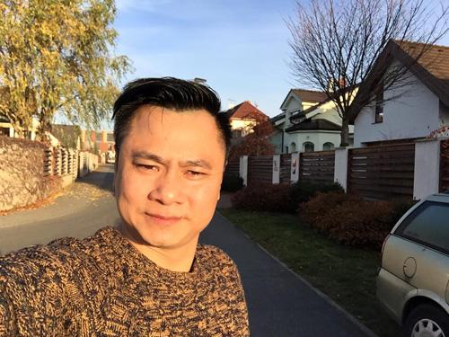 """Facebook sao 15/11: Phương Trinh được """"bạn trai"""" hôn má - 11"""