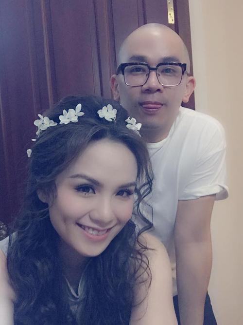 """Facebook sao 15/11: Phương Trinh được """"bạn trai"""" hôn má - 12"""