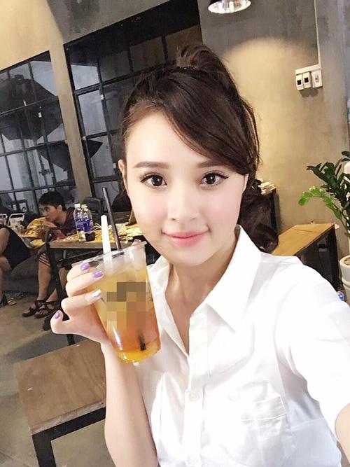 """Facebook sao 15/11: Phương Trinh được """"bạn trai"""" hôn má - 3"""