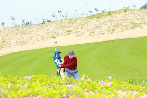 FLC Golf Championship 2015: Cơ hội trúng giải lớn - 2
