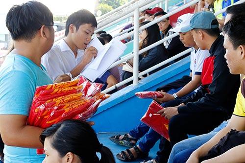"""CĐV Việt Nam háo hức """"tiếp lửa"""" giải U21 Clear Men Cup - 2"""