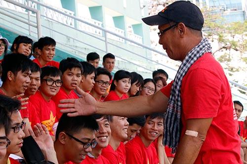 """CĐV Việt Nam háo hức """"tiếp lửa"""" giải U21 Clear Men Cup - 7"""