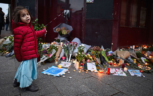 """Vì sao Pháp """"mù"""" trước kế hoạch khủng bố của IS? - 1"""