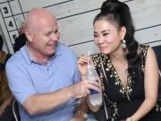 """Ca nhạc - MTV - Vợ chồng Thu Minh tình tứ như """"thuở còn son"""""""