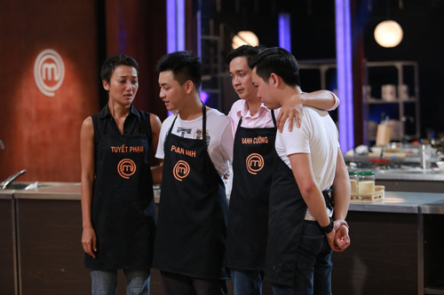 """""""Vua đầu bếp"""" tiếp tục gây tranh cãi khi loại 2 thí sinh - 5"""