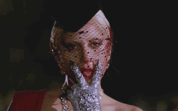 Lady Gaga gây sốc toàn nước Mỹ với cảnh phim 18+ - 3