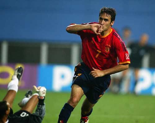"""Raul hạ màn sự nghiệp: """"Chúa nhẫn"""" đăng quang - 6"""