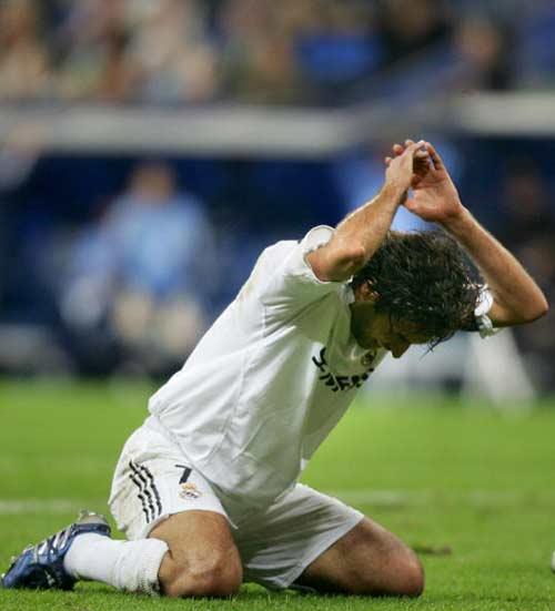 """Raul hạ màn sự nghiệp: """"Chúa nhẫn"""" đăng quang - 7"""