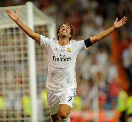 """Raul hạ màn sự nghiệp: """"Chúa nhẫn"""" đăng quang - 11"""
