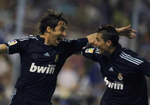 """Raul hạ màn sự nghiệp: """"Chúa nhẫn"""" đăng quang - 9"""