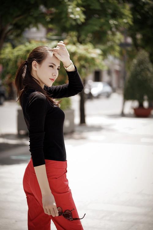 Lệ Quyên lên đường tham gia Hoa hậu Siêu Quốc gia - 2