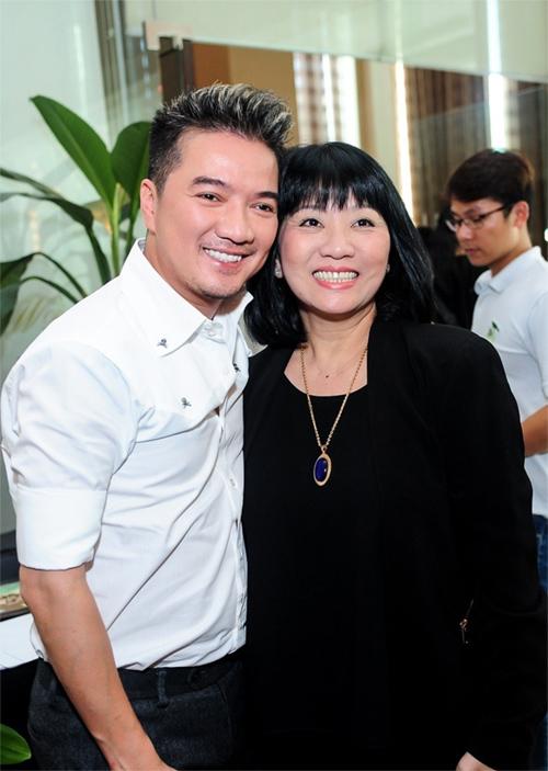 Mr. Đàm nhận giải Nghệ sỹ Châu Á xuất sắc nhất 2015 - 2