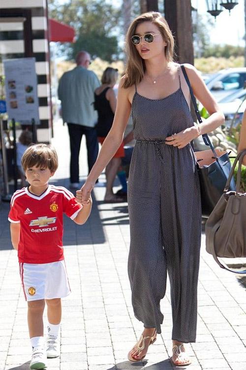 """Miranda Kerr tiết lộ bí quyết """"đẹp trong mọi hoàn cảnh"""" - 10"""