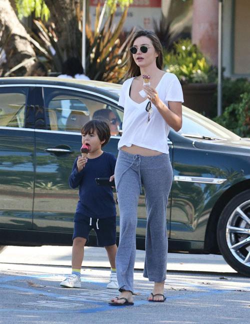 """Miranda Kerr tiết lộ bí quyết """"đẹp trong mọi hoàn cảnh"""" - 12"""