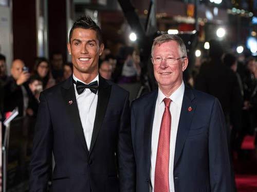 Real tính bán Ronaldo vì ghét Benitez, MU vào cuộc - 1