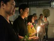 Tin tức Việt Nam - Người Hà Nội cầu nguyện cho Paris
