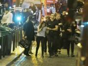 Thế giới - Những hình ảnh ấm lòng sau vụ khủng bố đẫm máu ở Pháp