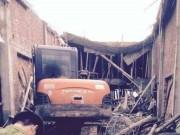 Tin tức trong ngày - Hà Nội: Sập nhà khi đổ mái bê-tông, 6 người thương vong