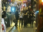 Thế giới - Khủng bố ở Pháp: Thanh niên lao mình đỡ đạn cho phụ nữ