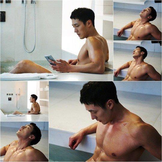 U40 So Ji Sub khoe thân hình vạm vỡ trong bồn tắm - 1